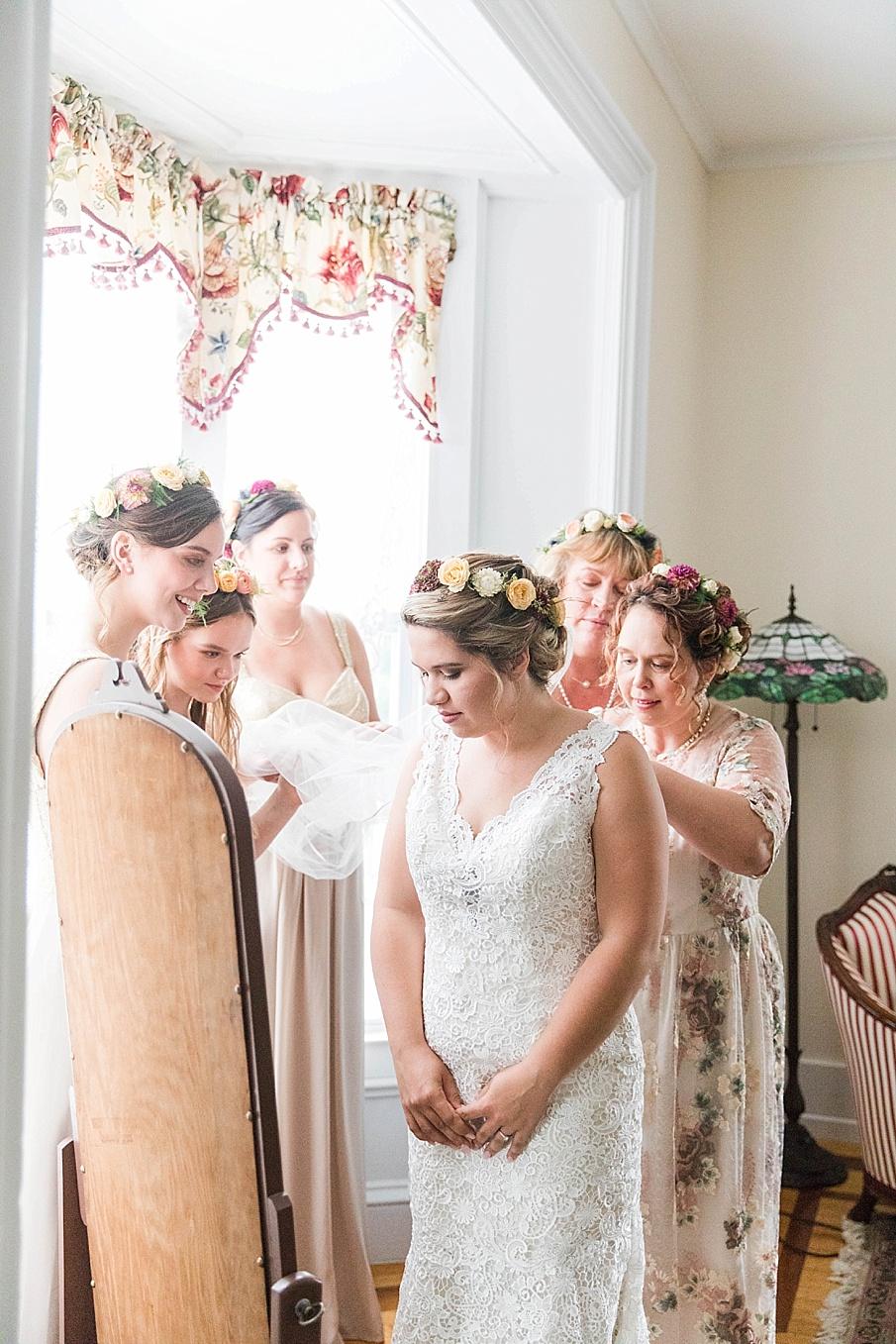 senecaryanco-pennsylvania-wedding-photographer-scranton-barnatglisteningpond_0185.jpg