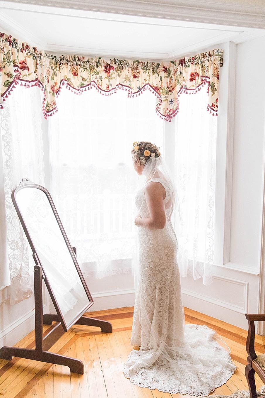 senecaryanco-pennsylvania-wedding-photographer-scranton-barnatglisteningpond_0200.jpg