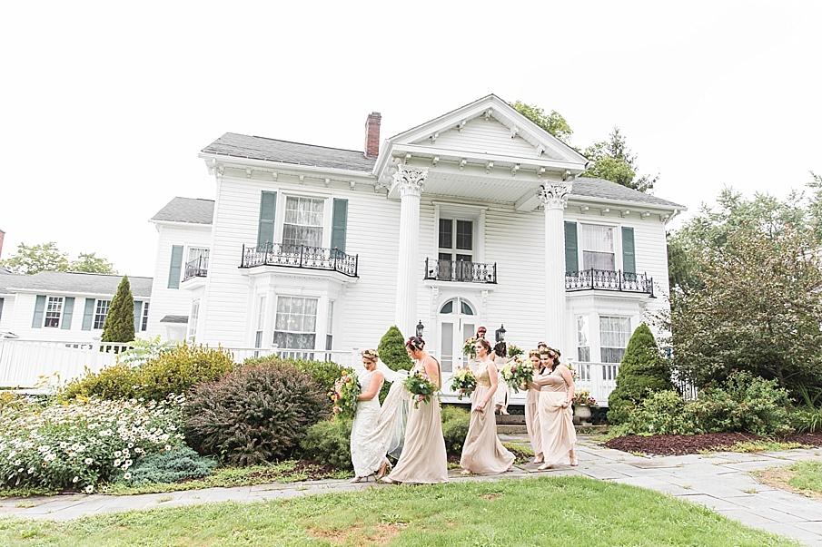 senecaryanco-pennsylvania-wedding-photographer-scranton-barnatglisteningpond_0209.jpg