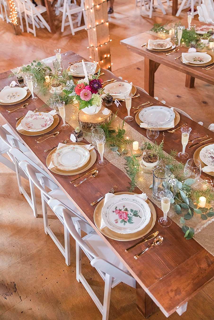 senecaryanco-pennsylvania-wedding-photographer-scranton-barnatglisteningpond_0215.jpg
