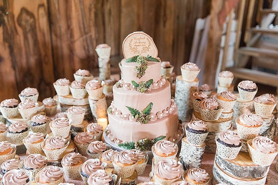 senecaryanco-pennsylvania-wedding-photographer-scranton-barnatglisteningpond_0221.jpg
