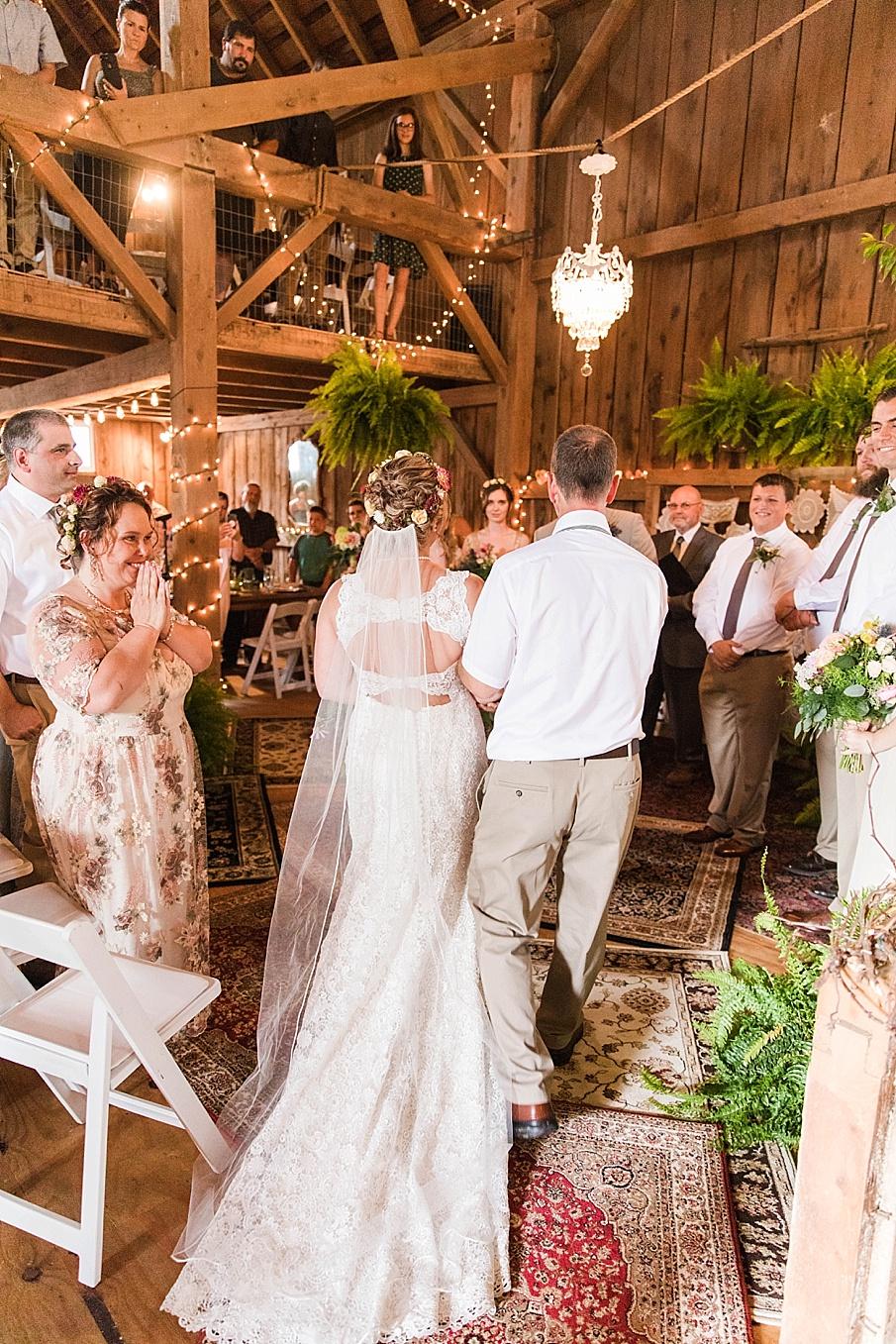 senecaryanco-pennsylvania-wedding-photographer-scranton-barnatglisteningpond_0229.jpg