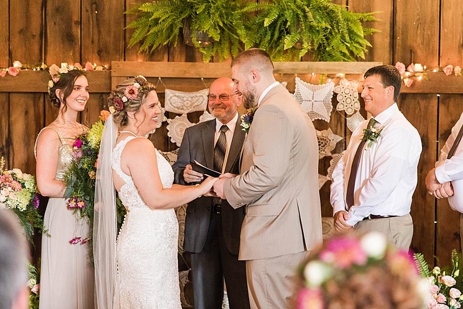 senecaryanco-pennsylvania-wedding-photographer-scranton-barnatglisteningpond_0232.jpg