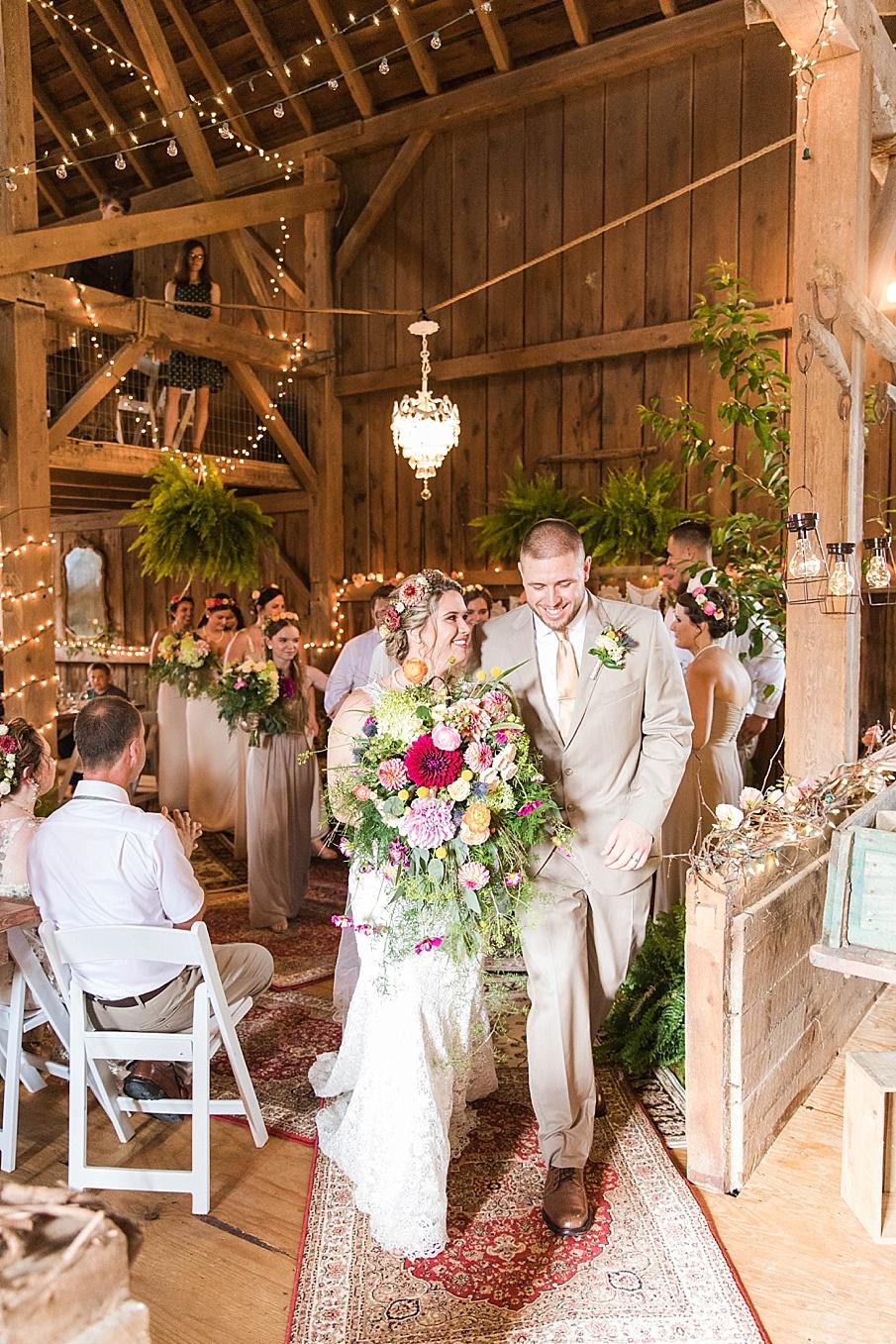 senecaryanco-pennsylvania-wedding-photographer-scranton-barnatglisteningpond_0236.jpg