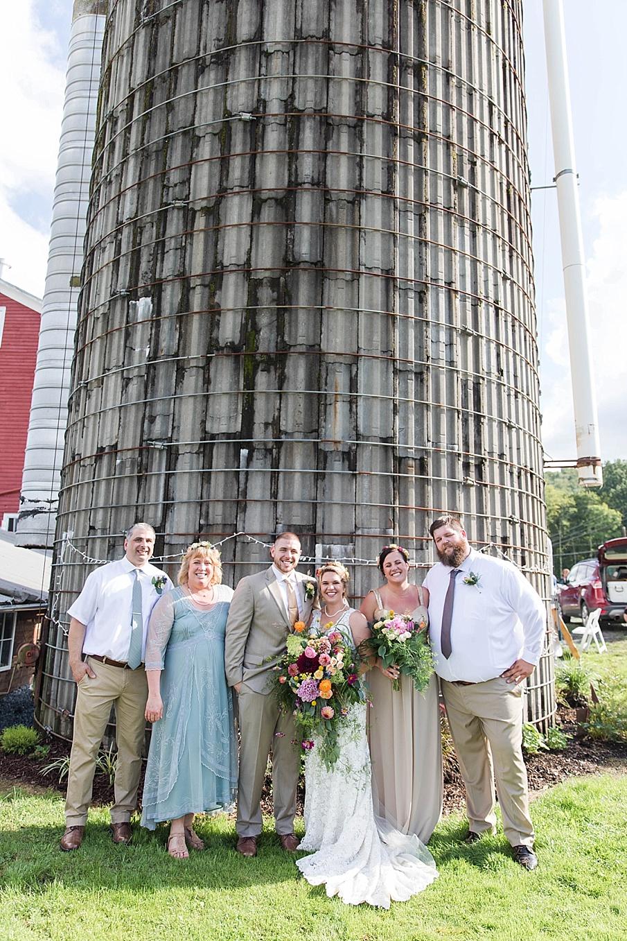senecaryanco-pennsylvania-wedding-photographer-scranton-barnatglisteningpond_0237.jpg