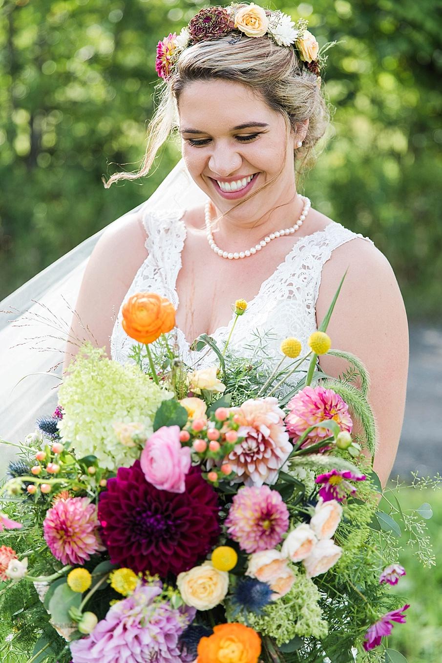 senecaryanco-pennsylvania-wedding-photographer-scranton-barnatglisteningpond_0246.jpg