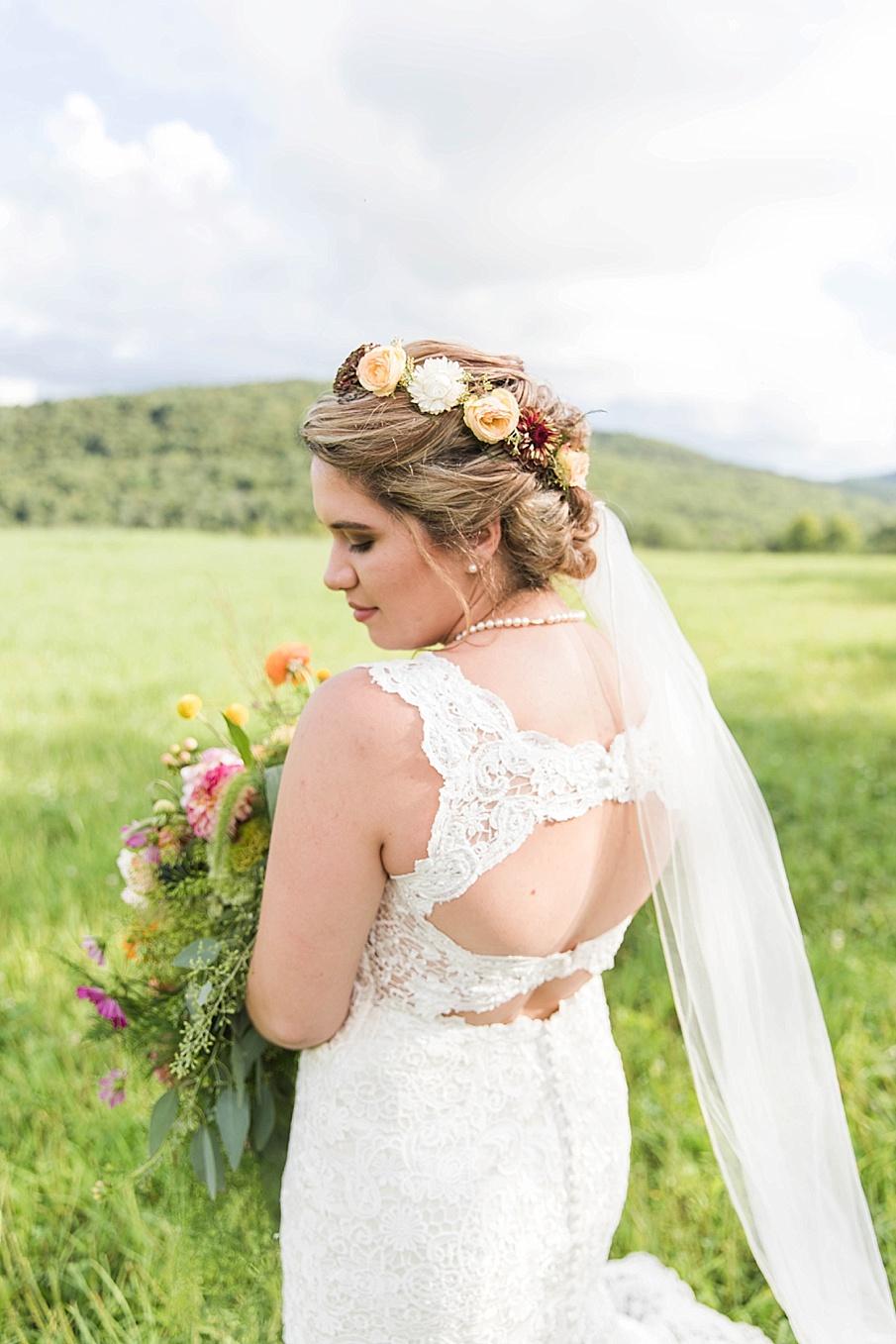 senecaryanco-pennsylvania-wedding-photographer-scranton-barnatglisteningpond_0248.jpg