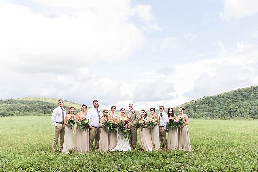 senecaryanco-pennsylvania-wedding-photographer-scranton-barnatglisteningpond_0251.jpg