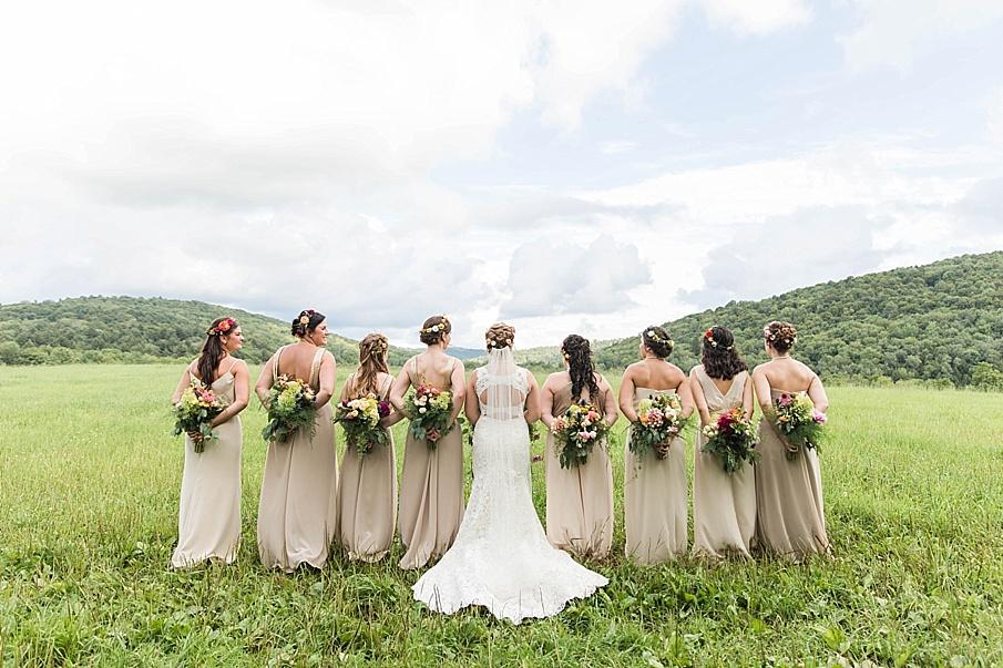 senecaryanco-pennsylvania-wedding-photographer-scranton-barnatglisteningpond_0254.jpg