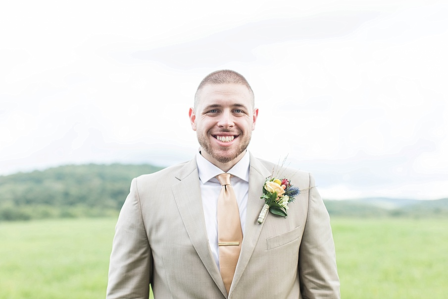 senecaryanco-pennsylvania-wedding-photographer-scranton-barnatglisteningpond_0257.jpg