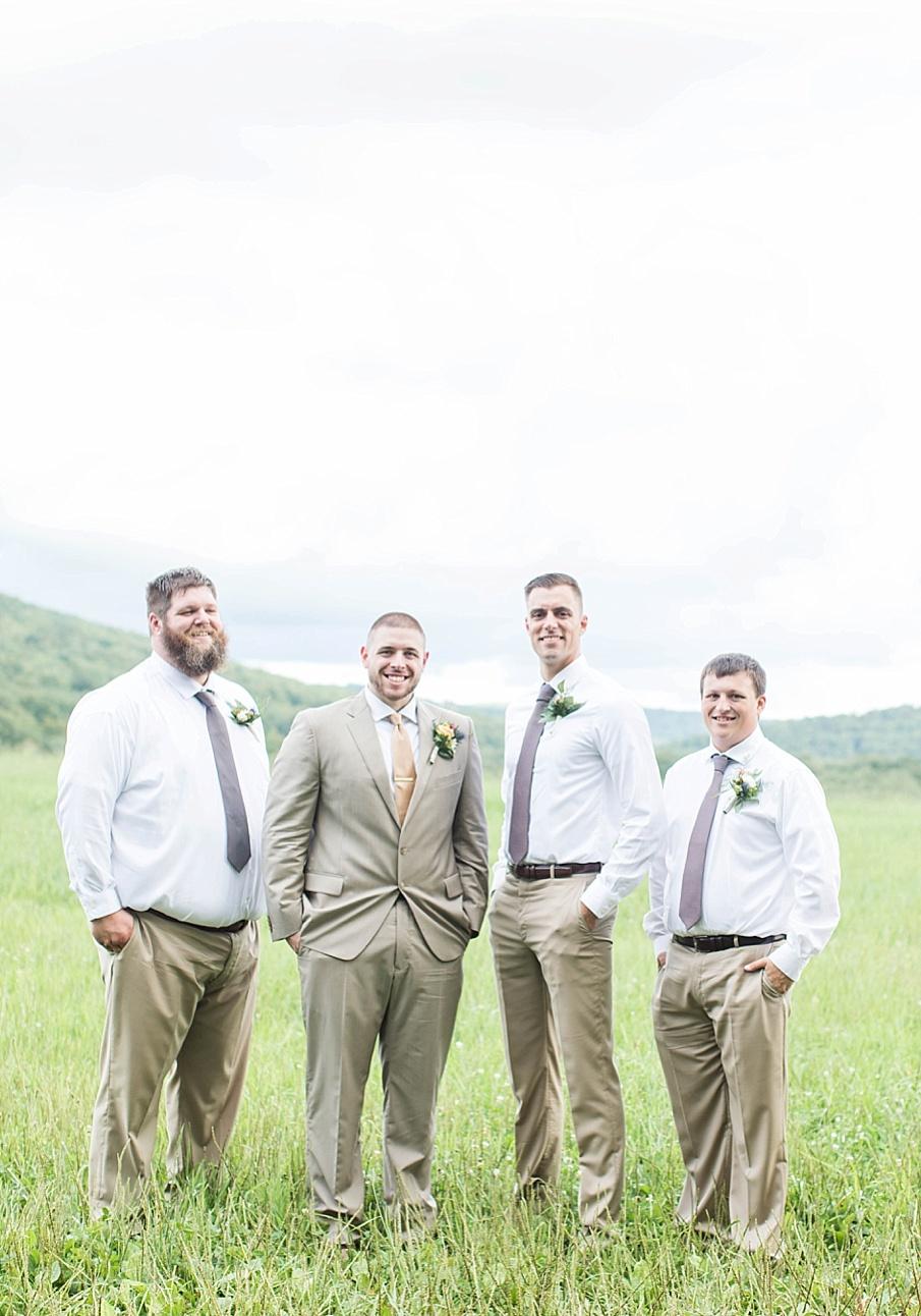 senecaryanco-pennsylvania-wedding-photographer-scranton-barnatglisteningpond_0258.jpg