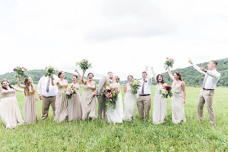 senecaryanco-pennsylvania-wedding-photographer-scranton-barnatglisteningpond_0261.jpg