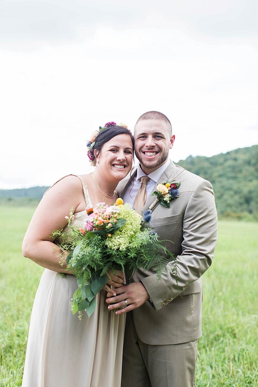 senecaryanco-pennsylvania-wedding-photographer-scranton-barnatglisteningpond_0264.jpg
