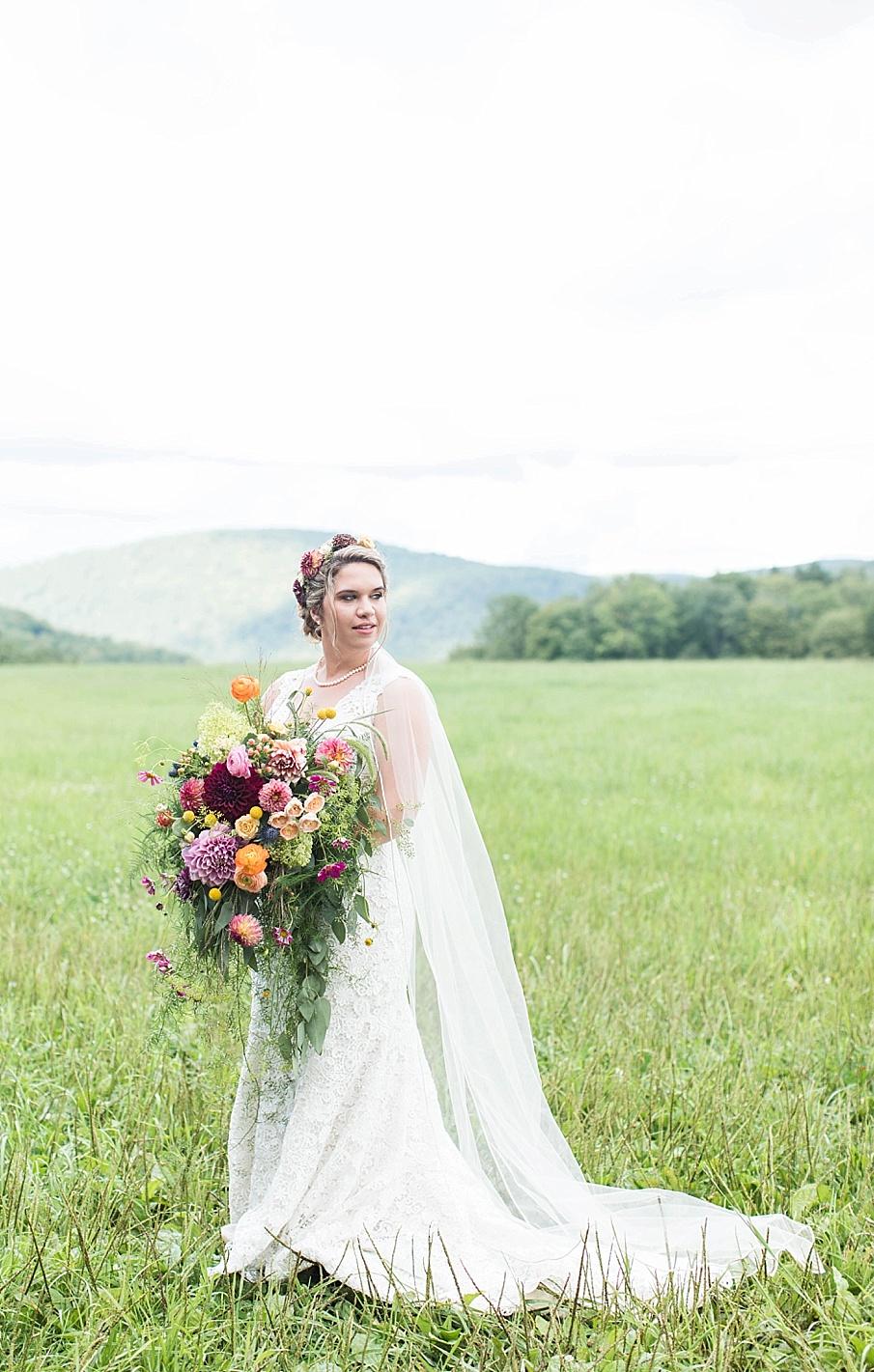 senecaryanco-pennsylvania-wedding-photographer-scranton-barnatglisteningpond_0263.jpg
