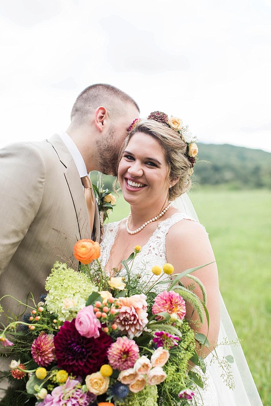 senecaryanco-pennsylvania-wedding-photographer-scranton-barnatglisteningpond_0266.jpg