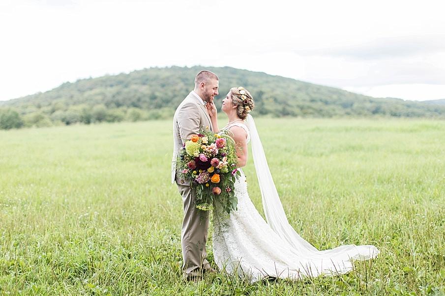 senecaryanco-pennsylvania-wedding-photographer-scranton-barnatglisteningpond_0269.jpg