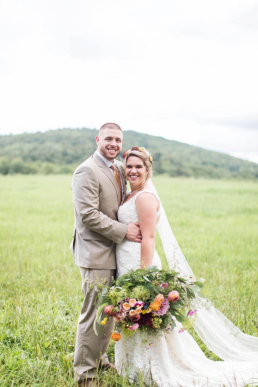 senecaryanco-pennsylvania-wedding-photographer-scranton-barnatglisteningpond_0272.jpg
