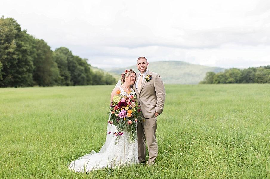senecaryanco-pennsylvania-wedding-photographer-scranton-barnatglisteningpond_0276.jpg