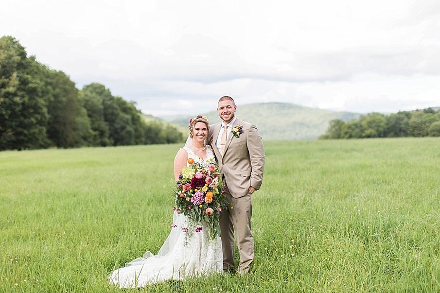 senecaryanco-pennsylvania-wedding-photographer-scranton-barnatglisteningpond_0277.jpg