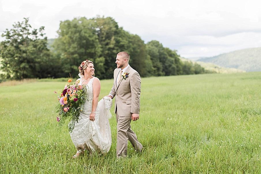 senecaryanco-pennsylvania-wedding-photographer-scranton-barnatglisteningpond_0279.jpg