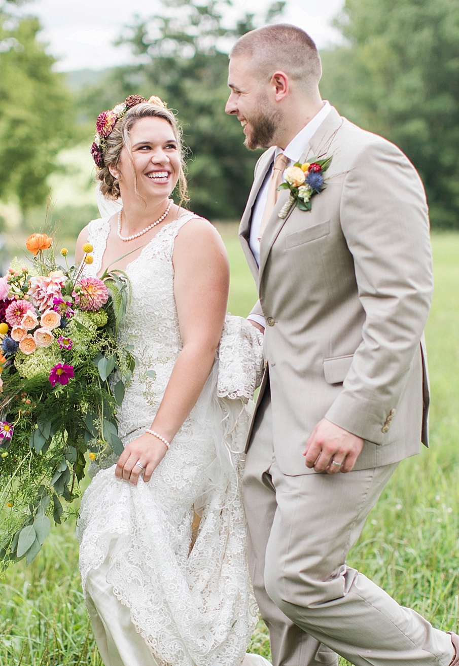 senecaryanco-pennsylvania-wedding-photographer-scranton-barnatglisteningpond_0280.jpg