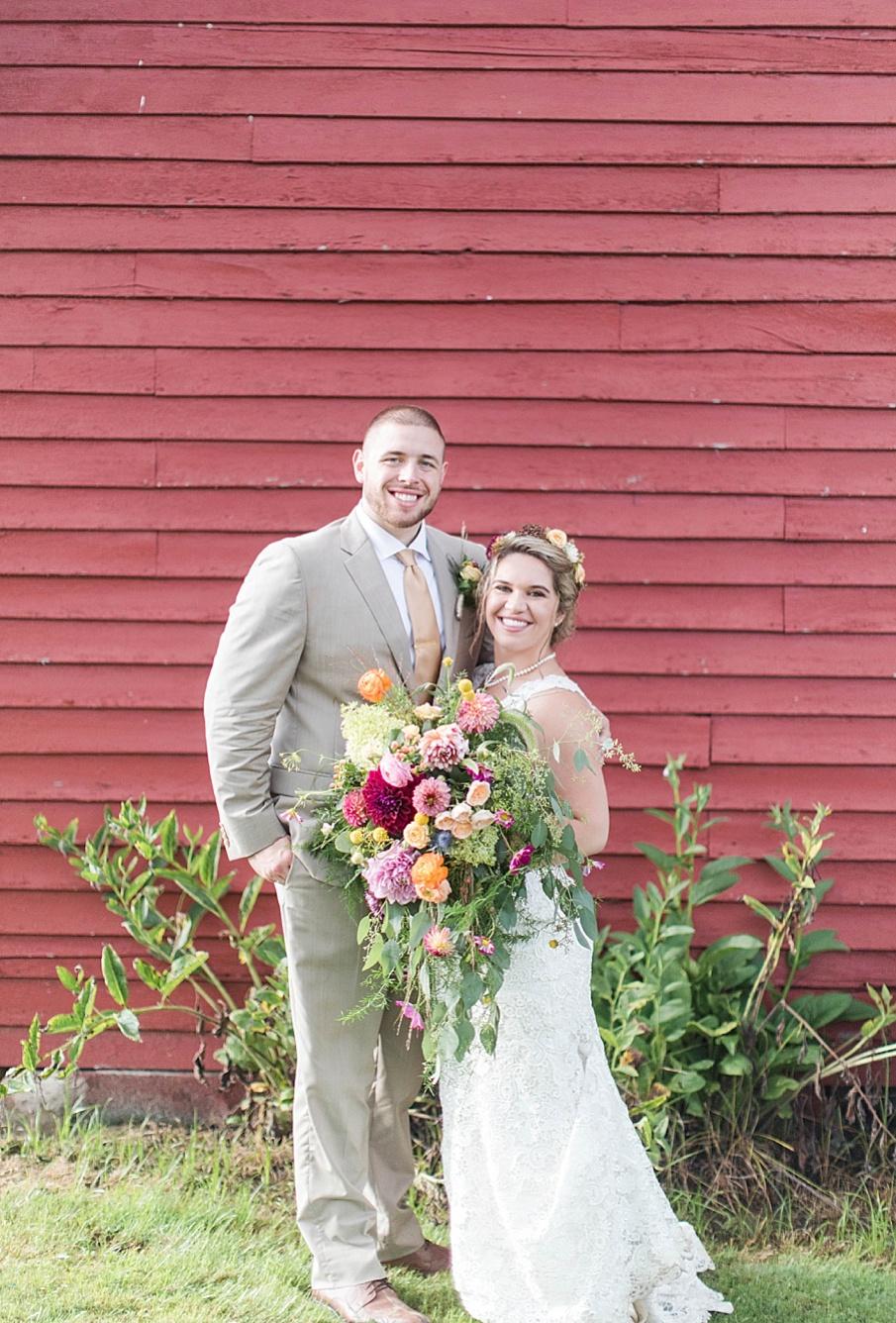 senecaryanco-pennsylvania-wedding-photographer-scranton-barnatglisteningpond_0285.jpg