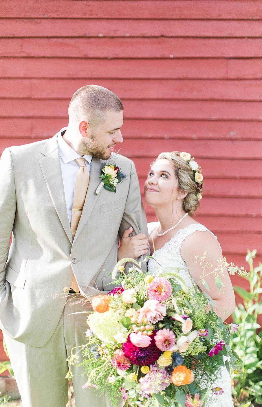 senecaryanco-pennsylvania-wedding-photographer-scranton-barnatglisteningpond_0286.jpg