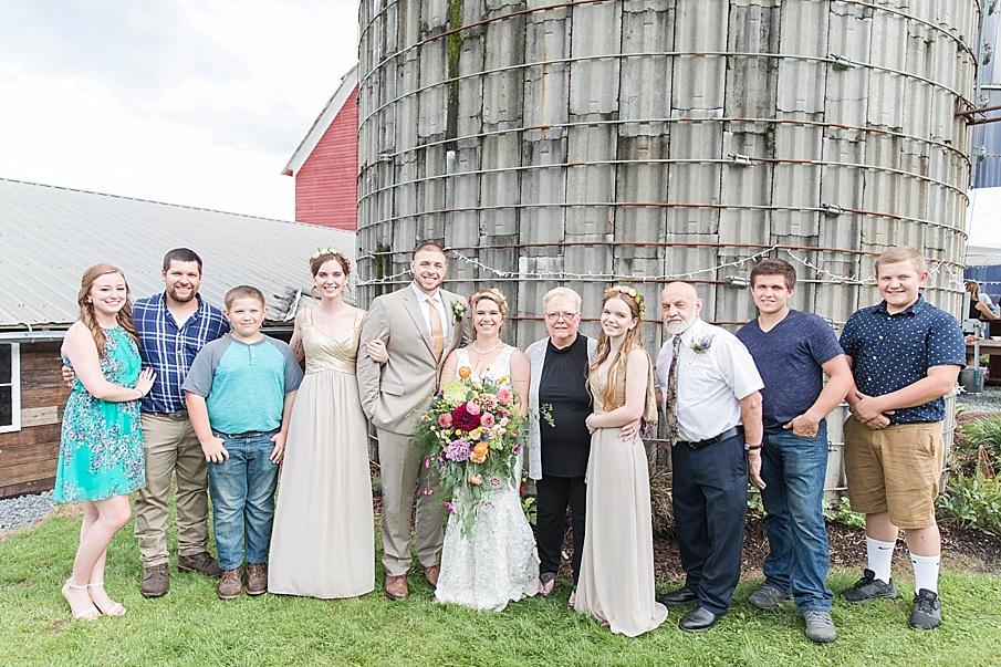 senecaryanco-pennsylvania-wedding-photographer-scranton-barnatglisteningpond_0290.jpg
