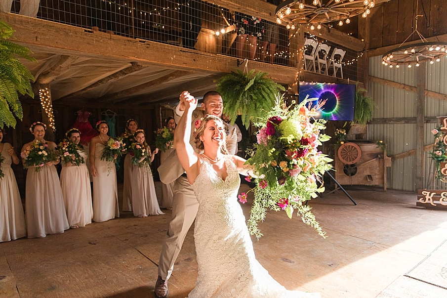 senecaryanco-pennsylvania-wedding-photographer-scranton-barnatglisteningpond_0292.jpg