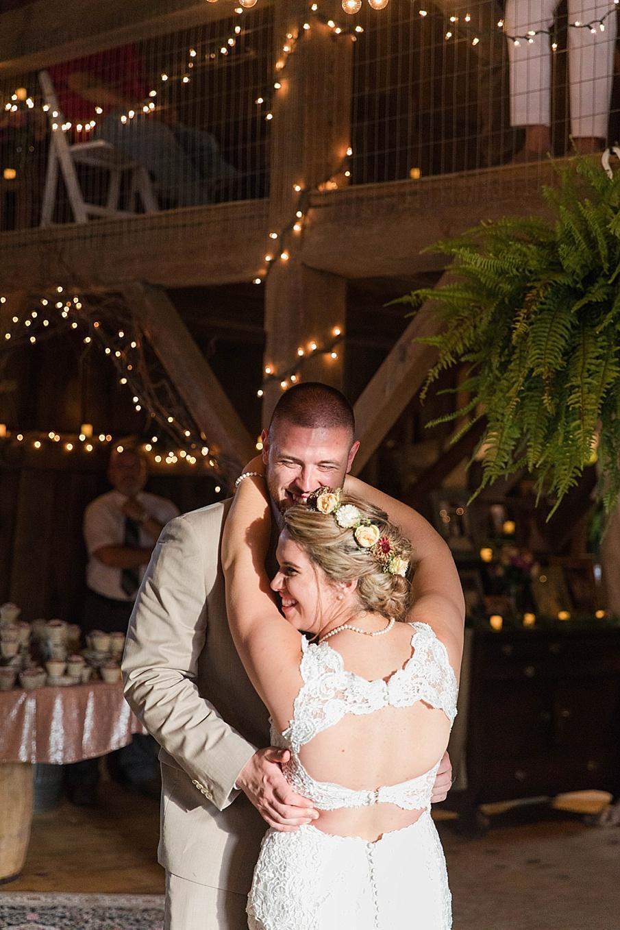 senecaryanco-pennsylvania-wedding-photographer-scranton-barnatglisteningpond_0296.jpg