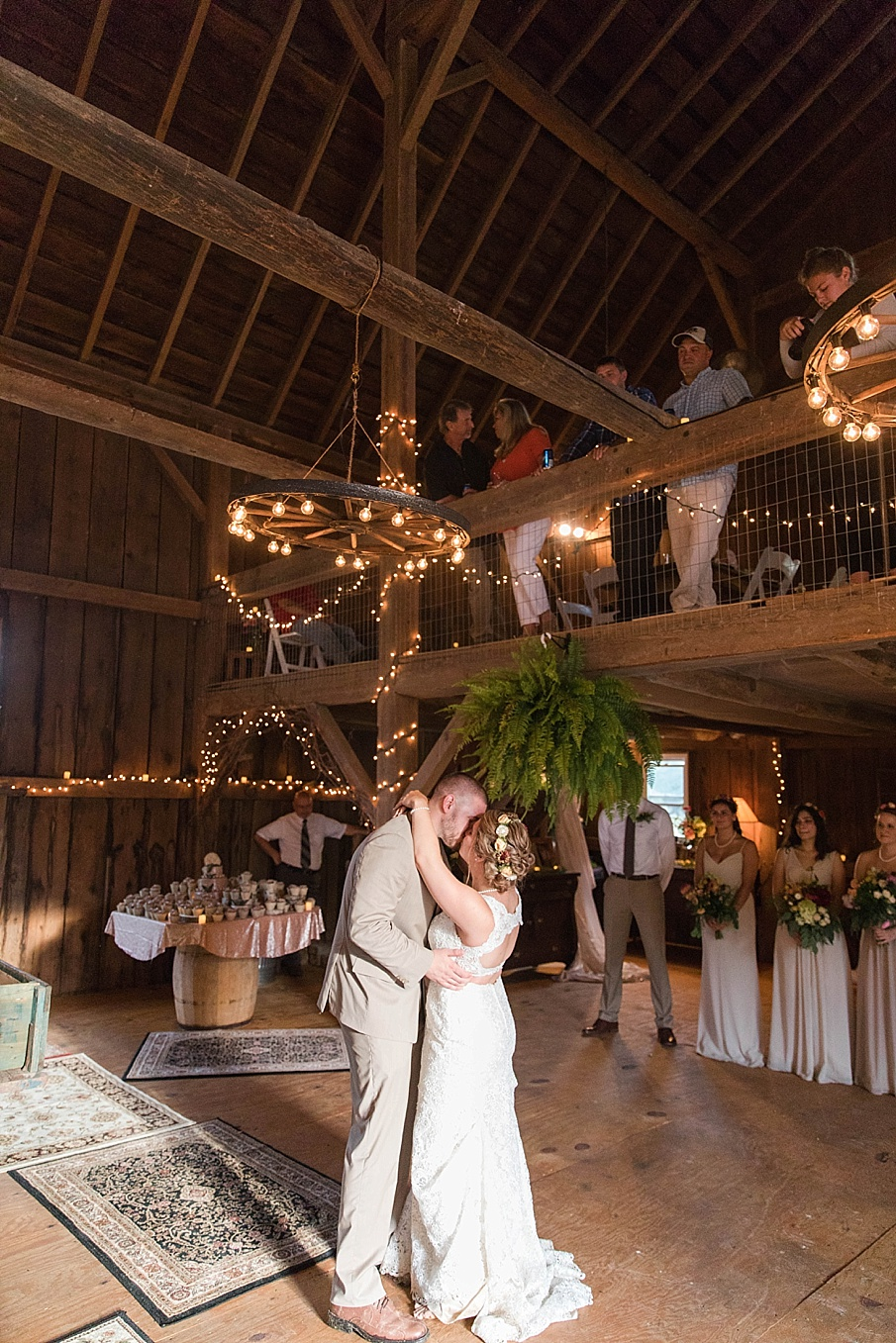 senecaryanco-pennsylvania-wedding-photographer-scranton-barnatglisteningpond_0295.jpg