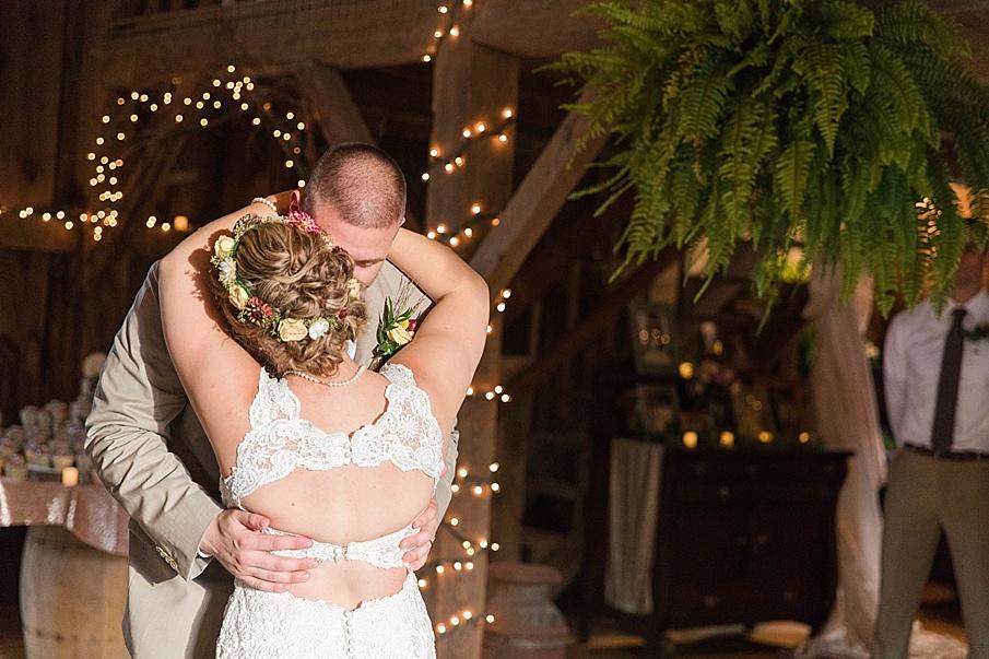 senecaryanco-pennsylvania-wedding-photographer-scranton-barnatglisteningpond_0298.jpg