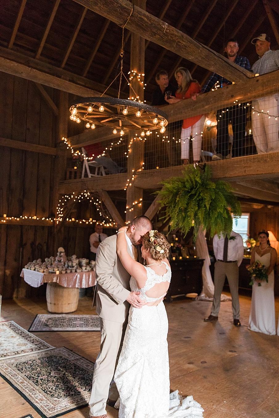senecaryanco-pennsylvania-wedding-photographer-scranton-barnatglisteningpond_0299.jpg