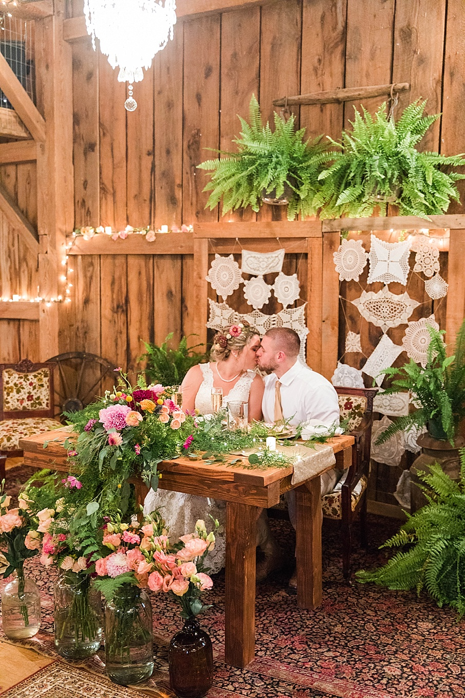 senecaryanco-pennsylvania-wedding-photographer-scranton-barnatglisteningpond_0302.jpg