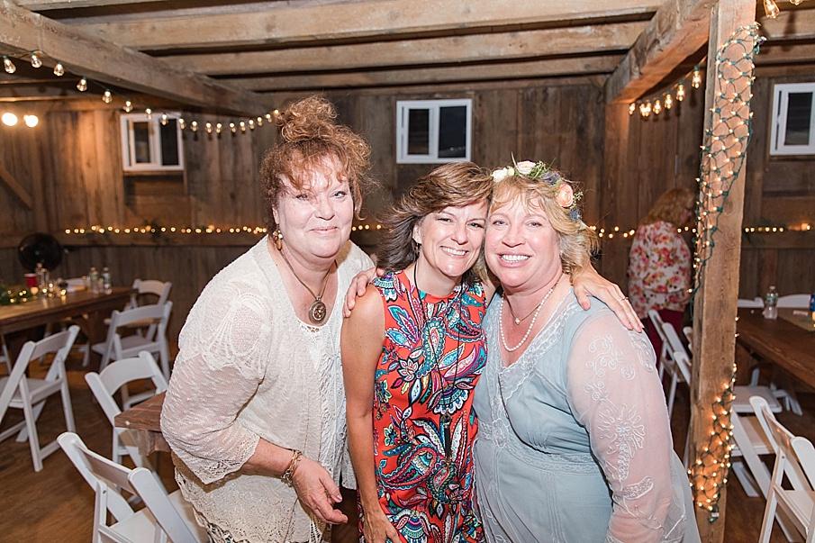 senecaryanco-pennsylvania-wedding-photographer-scranton-barnatglisteningpond_0312.jpg