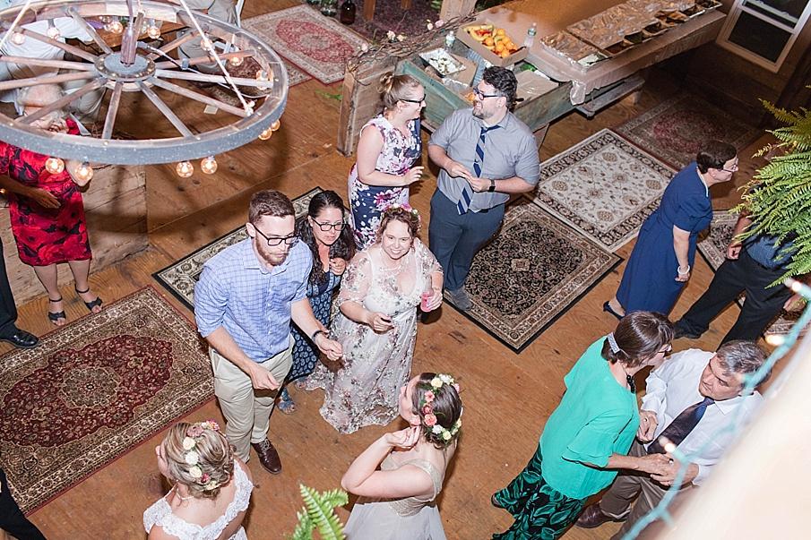 senecaryanco-pennsylvania-wedding-photographer-scranton-barnatglisteningpond_0314.jpg
