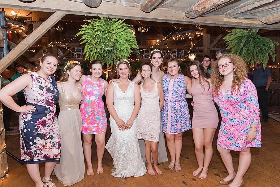 senecaryanco-pennsylvania-wedding-photographer-scranton-barnatglisteningpond_0317.jpg