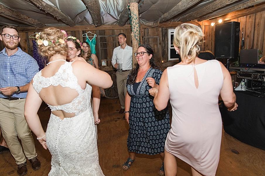 senecaryanco-pennsylvania-wedding-photographer-scranton-barnatglisteningpond_0318.jpg