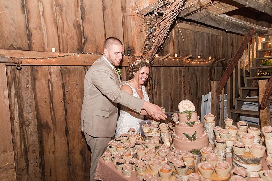senecaryanco-pennsylvania-wedding-photographer-scranton-barnatglisteningpond_0320.jpg