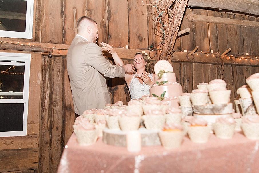 senecaryanco-pennsylvania-wedding-photographer-scranton-barnatglisteningpond_0321.jpg
