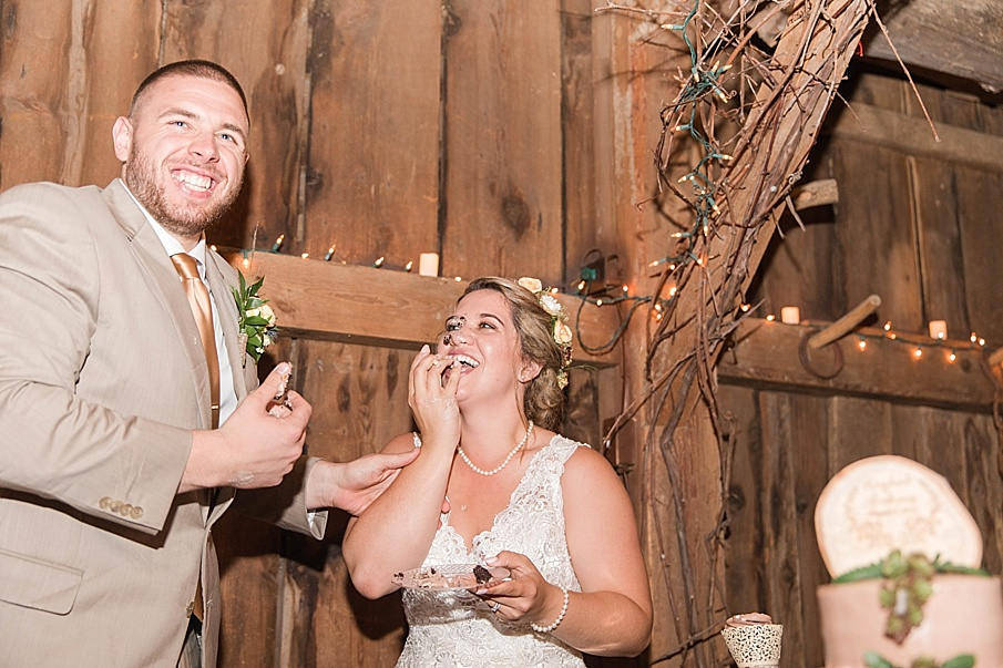 senecaryanco-pennsylvania-wedding-photographer-scranton-barnatglisteningpond_0322.jpg