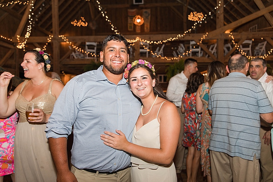senecaryanco-pennsylvania-wedding-photographer-scranton-barnatglisteningpond_0324.jpg