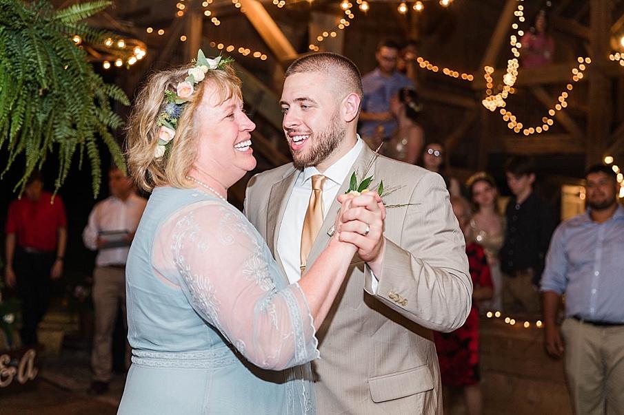 senecaryanco-pennsylvania-wedding-photographer-scranton-barnatglisteningpond_0325.jpg