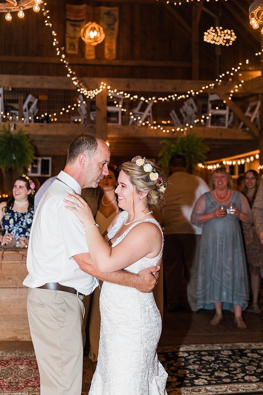 senecaryanco-pennsylvania-wedding-photographer-scranton-barnatglisteningpond_0329.jpg