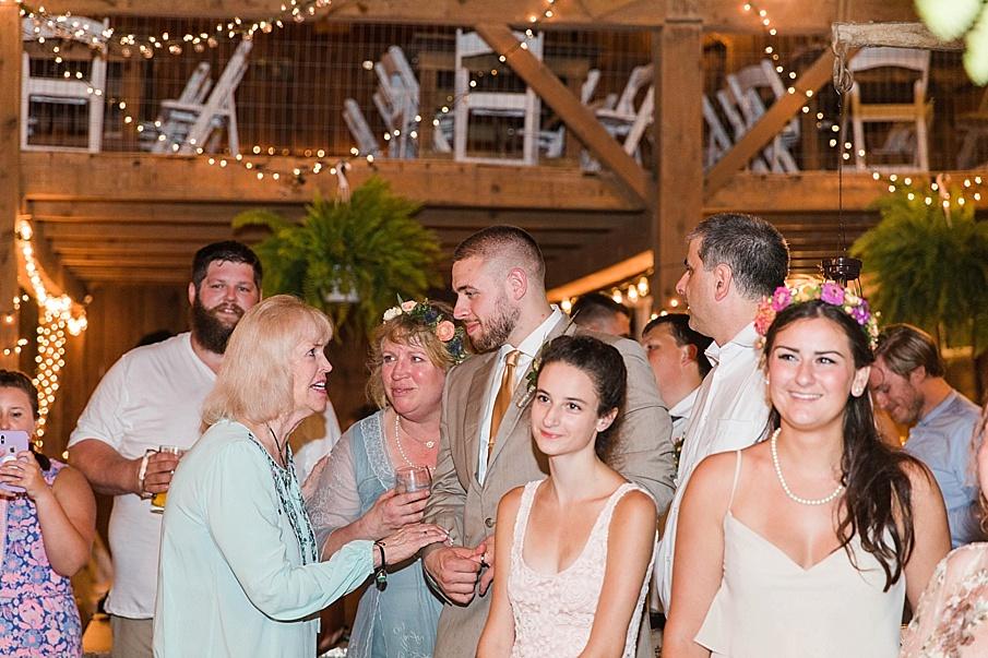senecaryanco-pennsylvania-wedding-photographer-scranton-barnatglisteningpond_0334.jpg