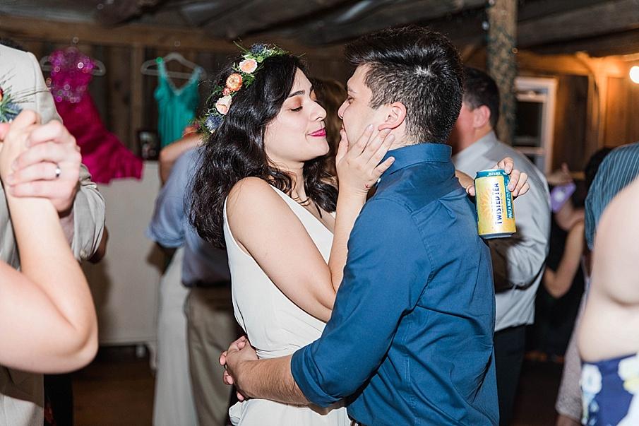 senecaryanco-pennsylvania-wedding-photographer-scranton-barnatglisteningpond_0337.jpg