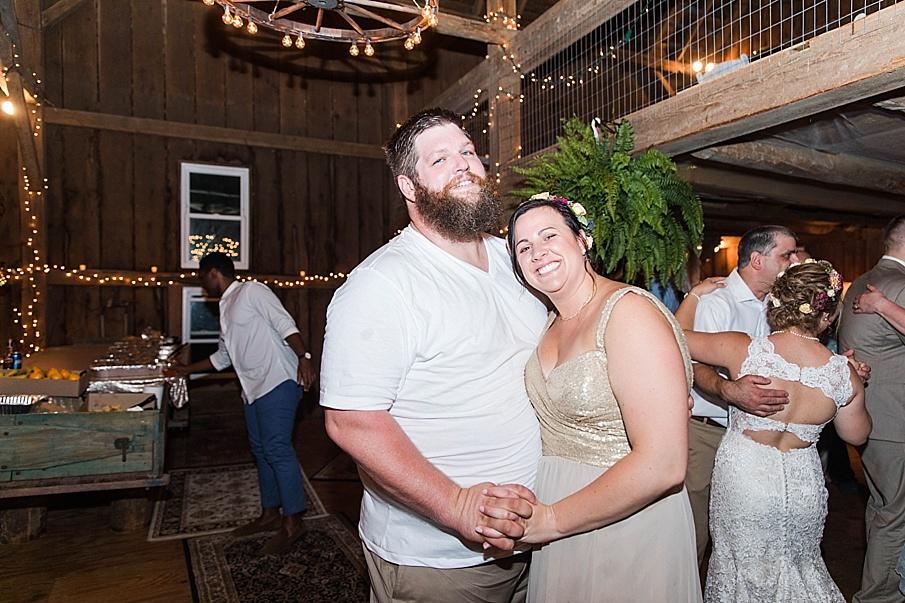 senecaryanco-pennsylvania-wedding-photographer-scranton-barnatglisteningpond_0338.jpg