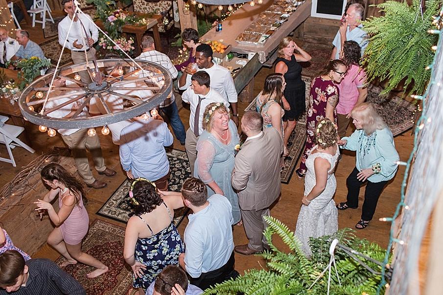 senecaryanco-pennsylvania-wedding-photographer-scranton-barnatglisteningpond_0341.jpg