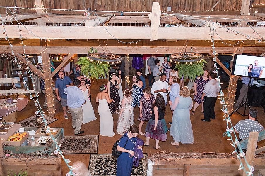 senecaryanco-pennsylvania-wedding-photographer-scranton-barnatglisteningpond_0345.jpg