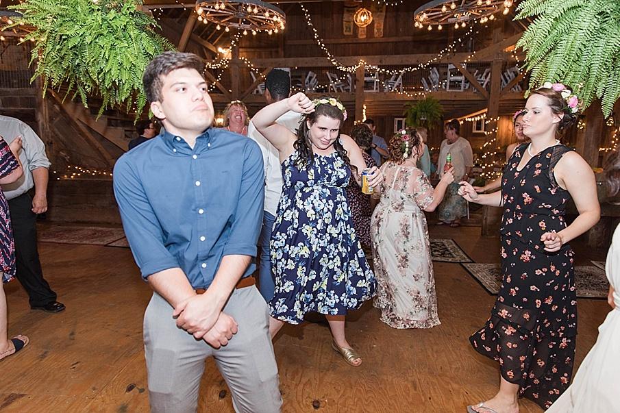 senecaryanco-pennsylvania-wedding-photographer-scranton-barnatglisteningpond_0346.jpg
